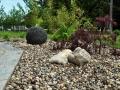 svilene-linije-6 vodni motiv z granitno kroglo.jpg